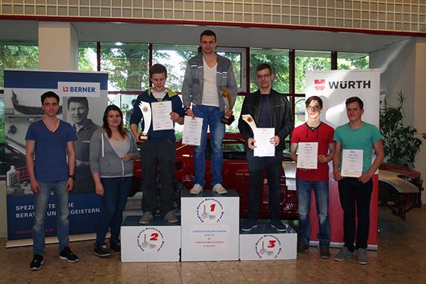 Landeslehrlingswettbewerb in der Siegfried Marcus Berufsschule Berufszweig Karosseriebautechniker