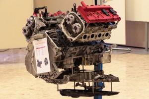 Audi R8 4.2 FSI - Präsentation des Innenlebens eines Motors