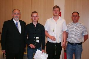 BD OSR Markus Fuchs, ausgezeich. Schüler: Patrik Berger, Martin Kozisnik, Hr. Rohm (Lehrlingsausbilder MA 48)